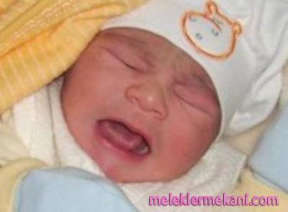 bebeklerde_gaz_cikarma_yontemi.jpg