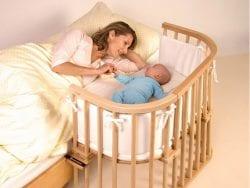 4-7 aylık bebekler ne kadar uyur