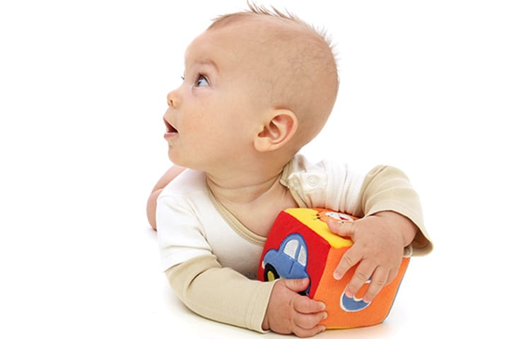 6 aylık bebek neler yapabilir