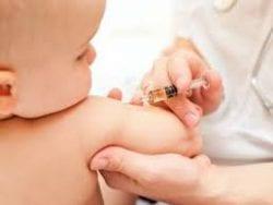 Bebeğe yapılan rutin ve diğer aşılar