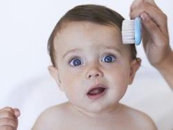 Bebeğin saç ve tırnak bakımı