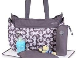 Bebek bakım çantasında olmazsa olmaz 8 şey