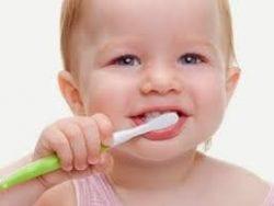 Bebekte dişlerin temizliği ve bakımı