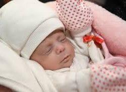 Riskli bebeğin hastaneye taşınması