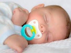 Bebeklerde emzik kullanımı