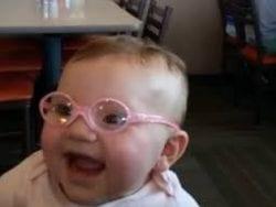 Bebeklerin en erken gözlük takma yaşı