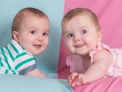 İkiz bebekler aşırı ilgiden rahatsız olur mu?