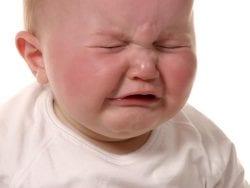 Bebeklerde Ağlama ve Kolik Ağrısı