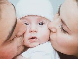 Annenin Bebeği İle Bağ Kurması
