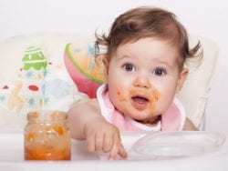 Bebeğe Verilecek İlk Ek Gıdalar