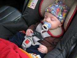 Bebek İçin Oto Koltuğu Seçmek