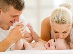 Yeni Doğan Bebeğinizi Tutarken